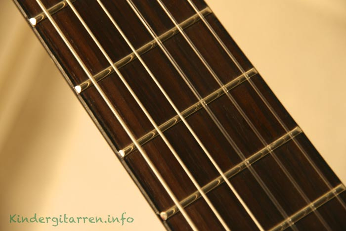 Ortega-r121-3/4-Kindergitarre Griffbrett Bundstäbchen
