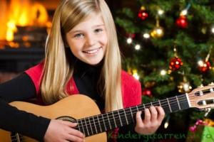 Kindergitarre zu Weihnachten